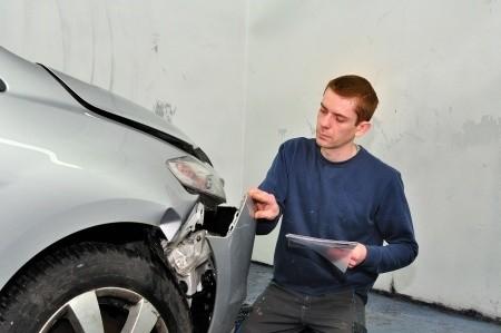 autounfall schadensregulierung sachverständiger