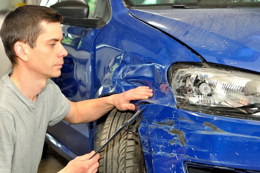 Verkehrsunfall – überhöhte Reparaturkosten bei der Fahrzeugreparatur (Werkstattrisiko)