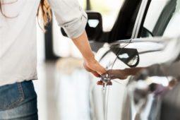 Verkehrsunfall beim Aussteigen aus dem Fahrzeug - Haftung