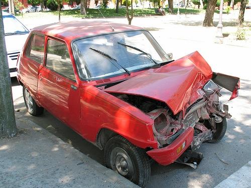Verkehrsunfall mit Totalschaden – Kraftstoffverlust als Schaden