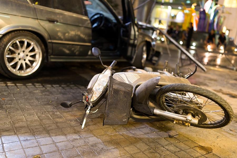 Verkehrsunfall von einem abbiegenden Pkw mit einem Pedelec