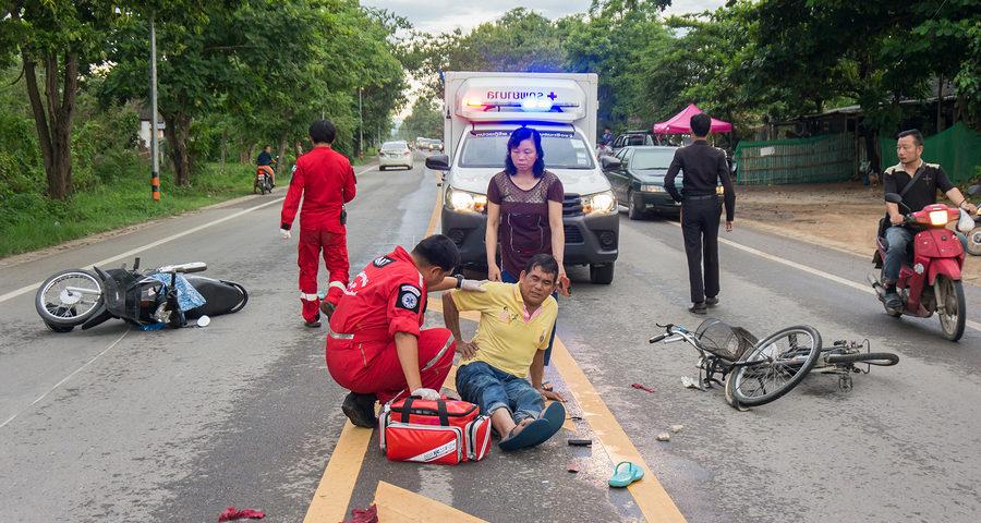 Verkehrsunfall zwischen überholendem Motorradfahrer und abbiegenden Radfahrer