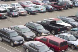 Parkplatzunfall – Zeugenbeweis für Fahrzeugberühung