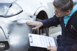 Verkehrsunfall – keine Marktforschung bzgl. anfallender Sachverständigengebühren