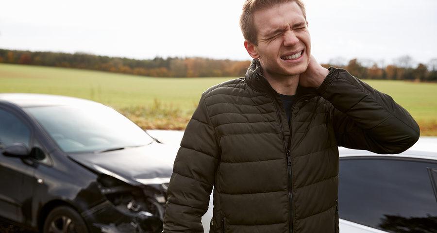 Verkehrsunfall: Schmerzensgeld bei leichter Distorsion der Halswirbelsäule