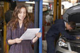 Verkehrsunfall - Auszahlung des Wiederbeschaffungswertes nach Vorlage der Reparaturrechnung