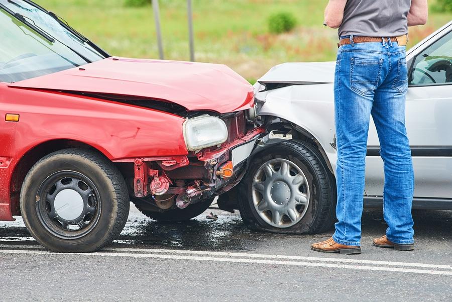 Autounfall - Ab wann zum Rechtsanwalt?