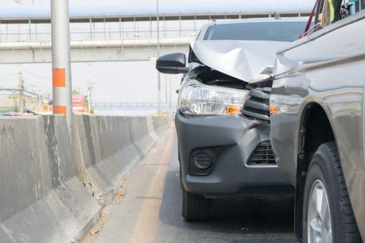 Auffahrunfall nach Fahrstreifenwechsel des Vorausfahrenden