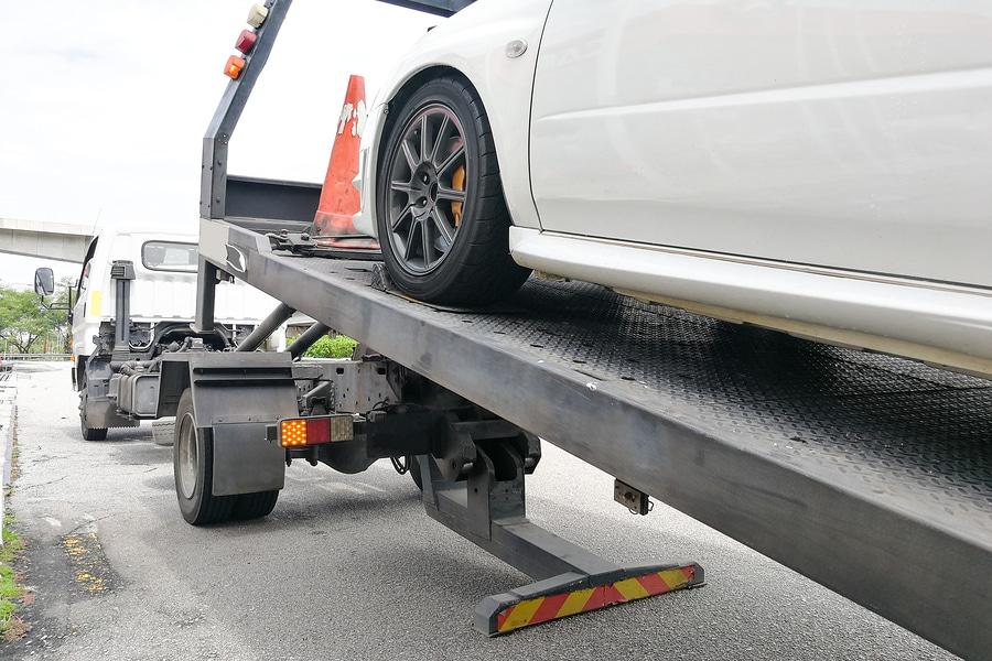 Verkehrsunfall: Abschleppkosten des Unfallfahrzeugs - Angemessenheit
