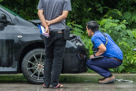 Verkehrsunfall: außergerichtlichen Rechtsanwaltskosten bei Beauftragung durch den Inhaber eines Autohauses