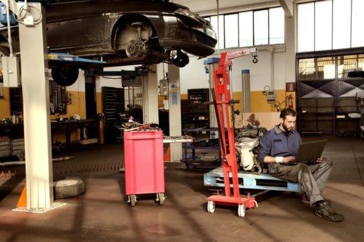 Verkehrsunfall: Verweisung auf eine günstigere Reparaturmöglichkeit im Prozess zulässig?