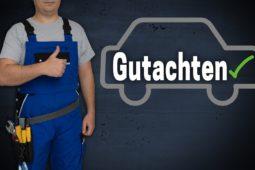 Verkehrsunfall: Wann ist die Hinzuziehung eines KFZ-Sachverständigen erforderlich und zweckmäßig?