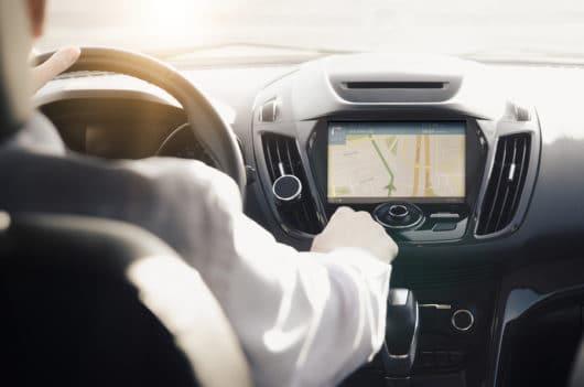 Verkehrsunfall: Angemessenheit von Mietwagenkosten - Navigationsgerät als Serienausstattung