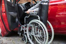 Verkehrsunfall: Beschädigung eines Rollstuhltransportfahrzeugs - Schadensersatz