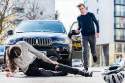 Verkehrsunfall - offene Bursaverletzung mit Innenknöchelfraktur und MdE