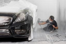 Verkehrsunfall: Erstattung von Reinigungskosten im Zusammenhang mit Lackierung