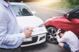 Verkehrsunfall: sachverständige Feststellung eines Totalschadens - Vertrauen des Geschädigten