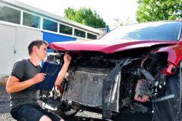 Verkehrsunfall: Verkauf des Unfallfahrzeugs ohne Sachverständigengutachten