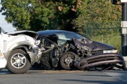 Verkehrsunfall mit wirtschaftlichem Totalschaden: Gegenstandswert der Rechtsanwaltsgebühren