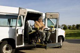 Verkehrsunfall: Gewinnentgang bei Beschädigung eines Behindertentransportfahrzeugs