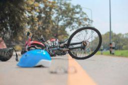 Verkehrsunfall - Radfahrer - Rücksichtnahmegebot beim Überqueren einer Straße