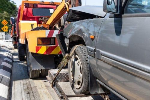 Verkehrsunfall – Erstattung der ortsüblichen Abschleppkosten