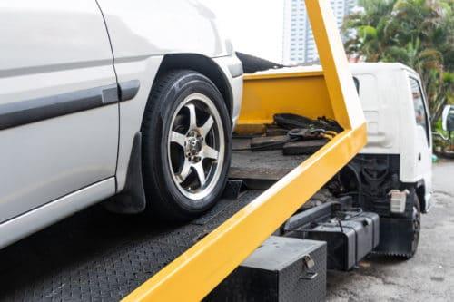 Verkehrsunfall - Verweisung auf freie Werkstatt außerhalb der Stadtgrenze einer Großstadt