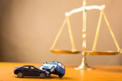 Verkehrsunfall – Rechtsanwaltsgebühren - Restwert als schadensmindernde Position