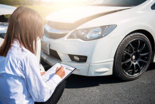 Verkehrsunfall – ersatzfähige Sachverständigenkosten und Sachverständigenbeauftragung