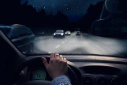 Auffahren auf unbeleuchtetes und nicht abgesichertes Hindernis -Verstoß gegen Sichtfahrgebot