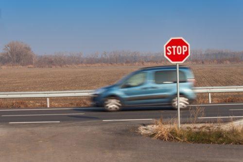 Verkehrsunfall - Anscheinsbeweis bei Missachtung der Wartepflicht