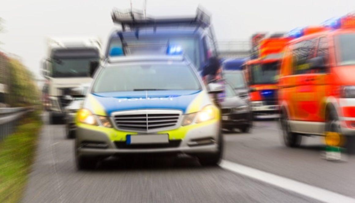 Verkehrsunfall - auf Autobahn mit 150 km/h mit einem Fahrstreifenwechsler