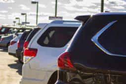 Verkehrsunfall - Pflicht des Geschädigten auf zu erwartende hohe Mietwagenkosten