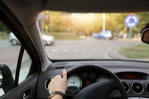 Verkehrsunfall - Haftungsverteilung bei Kollision im Kreisverkehr