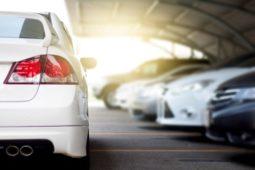 Verkehrsunfall - Kollision beim rückwärts Ausparken