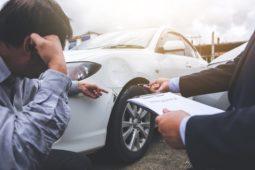 Verkehrsunfall - Reparaturkostenvorfinanzierung durch Kreditaufnahme/Vollkaskoversicherung