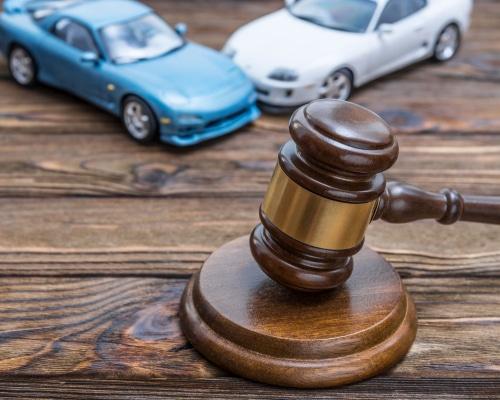 Verkehrsunfall - Erstattungsfähigkeit von Rechtsanwaltskosten