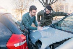 Mithaftung eines abbremsenden vorausfahrenden Fahrzeugführers bei Auffahrunfall