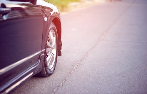 Verkehrsunfall beim Anfahren vom Seitenrand - Rückschaupflicht