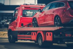 Verkehrsunfall - Höhe der erstattungsfähigen Abschleppkosten