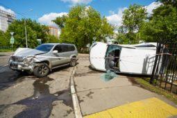 Verkehrsunfall - Sorgfaltspflichten eines Linksabbiegers in ein Grundstück