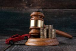 Verkehrsunfall - Kenntnis des Rechtsanwalts vom günstigeren Restwertangebot des Versicherers
