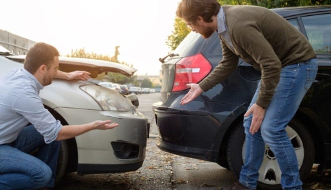 Parkplatzunfall - Alleinhaftung wegen Verstoßes gegen die Rückschaupflicht