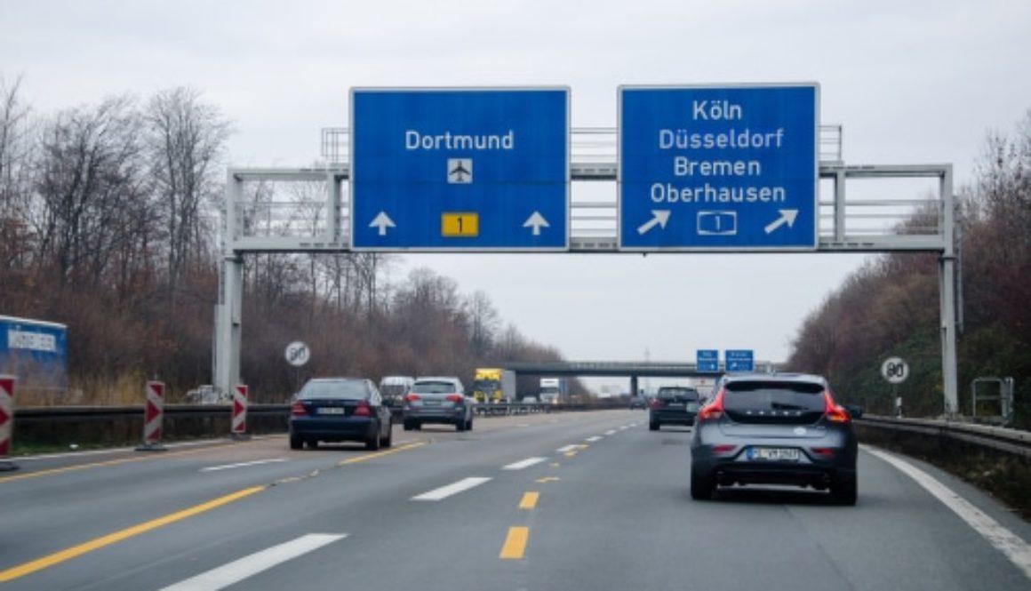 Verkehrsunfall - Verspätete Reaktion auf unangekündigten Spurwechsel auf der Bundesautobahn