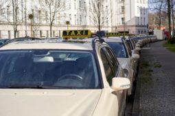 Verkehrsunfall - Verweis des Geschädigten auf eine Reparatur eines Taxis in einer freien Werkstatt