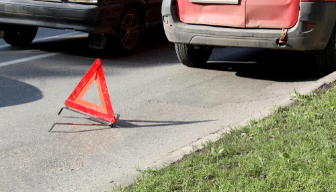 Verkehrsunfall - Kollision mit bereits verunfallten Fahrzeug