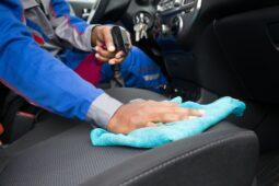 Verkehrsunfall - Erstattungsfähigkeit der Kosten einer Fahrzeugreinigung