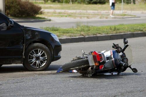 Berührungsloser Verkehrsunfall - Sturzunfall Motorradfahrer