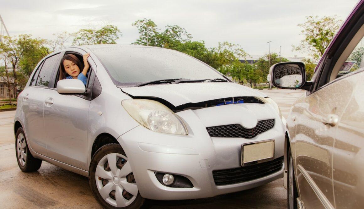 Verkehrsunfall – Vorausfahrender bremst stark und bis zum Stillstand grundlos ab